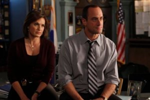 Mariska Hargitay, Chris Meloni Reunite on SVU Set — See the New Photos