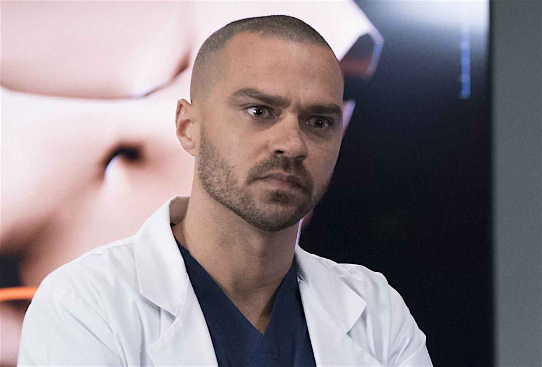 Grey S Anatomy Jesse Williams Returning As Jackson For Season 16 Tvline