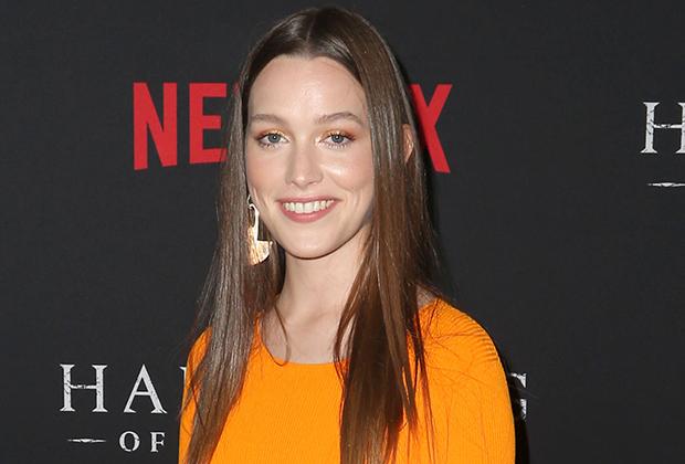 Haunting Of Hill House Season 2 Cast Victoria Pedretti In Bly Manor Tvline