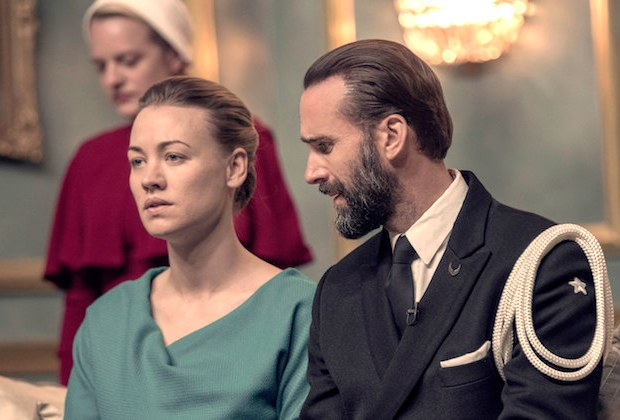 the-handmaids-tale-season-3-fred-serena-bruce-miller-interview