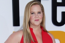 Amy Schumer Learns to Cook During Quarantine in New Food Network Show
