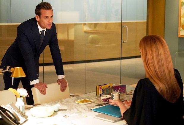 suits spoilers season 9 donna harvey series finale ending tvline https tvline com 2019 07 16 suits spoilers season 9 harvey donna series finale ending