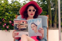 Mrs. Maisel Does Miami in First Season 3 Photo — and She's Not Alone