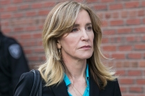 Felicity Huffman Sentenced to 14 Days in Jail, Community Service for Role in College Admissions Scandal