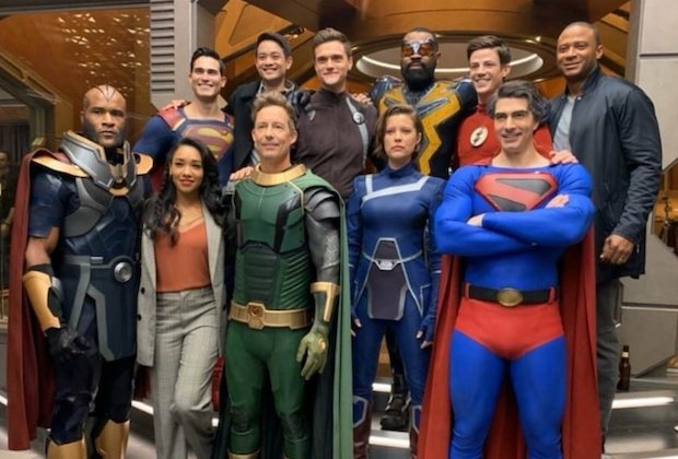 Arrowverse Crisis Group Photo