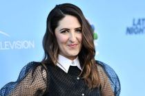 The Good Place's D'Arcy Carden to Star in Amazon's A League of Their Own