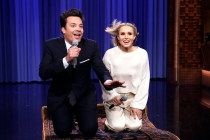 Kristen Bell and Jimmy Fallon Perform 'History of Disney Songs' Medley
