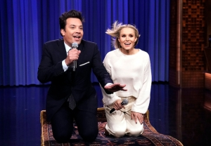 Kristen Bell Singing Disney Songs on 'The Tonight Show' - 'Frozen 2'
