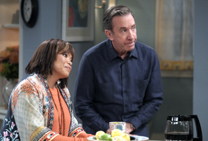 'Last Man Standing' 8x10 - Mike and Carol
