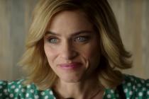 Dirty John Season 2 Trailer: A Scorned Amanda Peet Goes on a Wild Rampage