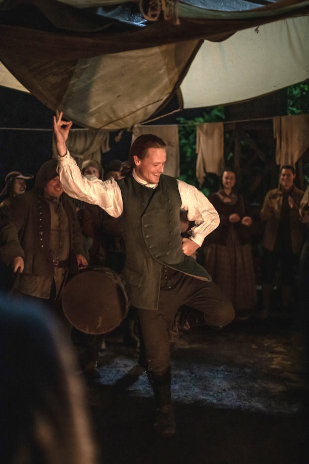 Outlander Jamie Dancing Season 5 Episode 4 Sam Heughan