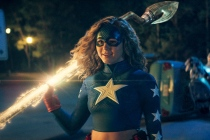 DC's Stargirl Review: Gung-Ho Teen Brightens Up TV's Superhero Scene