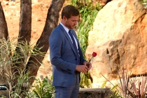 Bachelor Finale Recap: Which Girl Is Peter's Mom Begging Him to Choose?