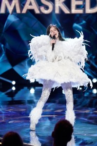 The Masked Singer Bella Thorne Swan Season 3