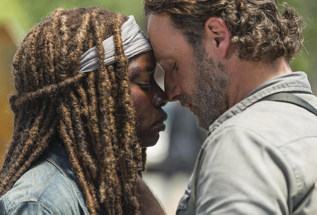 andrew lincoln sings to danai gurira the walking dead goodbye video