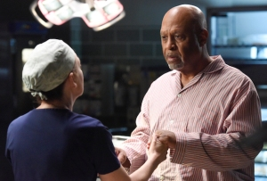 greys-anatomy-finale-richard-surgery-james-pickens-jr-interview