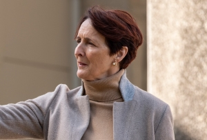 Killing Eve Season 3 Episode 2 Carolyn Fiona Shaw
