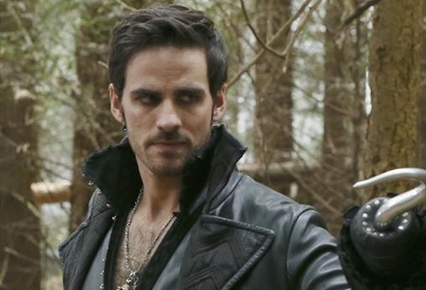 Once Upon A Time Hook Returns Colin O Donoghue Reads Peter Pan Tvline