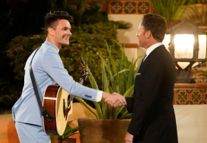 The Bachelor Listen to Your Heart Premiere