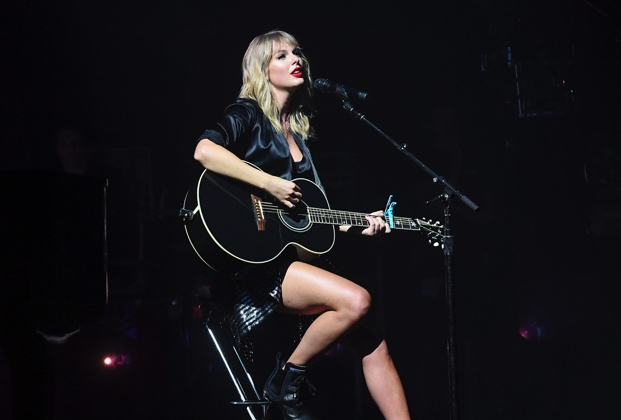 Video Taylor Swift City Of Lover Concert On Abc Airing May 17 Tvline