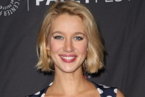 Yael Grobglas to Star in HBO Max Comedy From Jane the Virgin Boss
