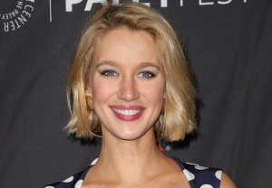 Yael Grobglas Here She Lies