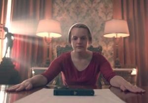 elisabeth-moss-video-interview-the-handmaids-tale-season-3