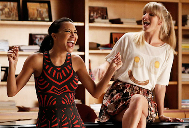 Naya Rivera & Heather Morris in 'Glee' - Santana and Brittany