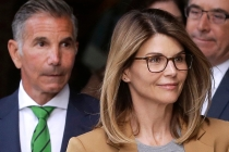 Lori Loughlin Gets Two Months in Prison for College Admission Bribes