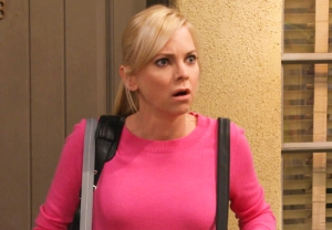 Anna Faris Leaving Mom