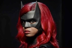 The New Batwoman, Javicia Leslie, Suits Up, Teases Costume Change Ahead