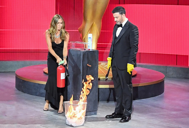 "THE 72ND EMMY® AWARDS - Hosted by Jimmy Kimmel, the ""72nd Emmy® Awards"" will broadcast SUNDAY, SEPT. 20 (8:00 p.m. EDT/6:00 p.m. MDT/5:00 p.m. PDT), on ABC. (ABC/Image Group LA) JENNIFER ANISTON, JIMMY KIMMEL"