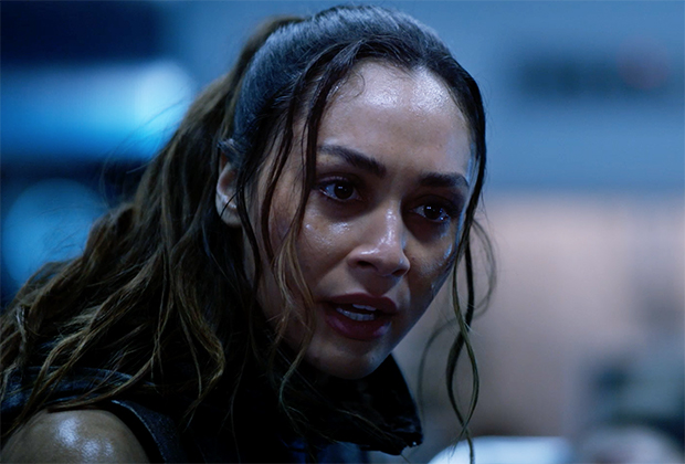 The 100 Series Finale Sneak Peek: It's a Race Against Time to Save [Spoiler]