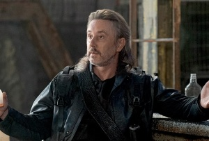 Is Star Trek: Discovery Baddie Negan-Like? Was Lovecraft Twist Too Easy? Is Conners' Dan Anti-Masks? And More Qs