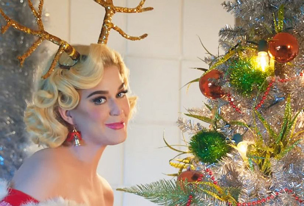 Katy Perry se presentó en el Disney Holiday Singalong