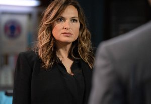 law-and-order-svu-season-22-premiere-no-chris-meloni-warren-leight-interview