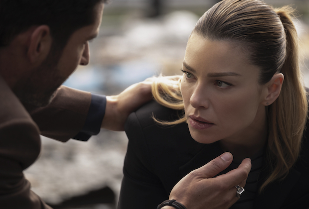 LUCIFER (L to R) TOM ELLIS as LUCIFER MORNINGSTAR and LAUREN GERMAN as CHLOE DECKER in episode 106 of LUCIFER Cr. JOHN P. FLEENOR/NETFLIX © 2020