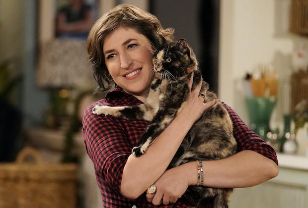 Mayim Bialik in 'Call Me Kat'
