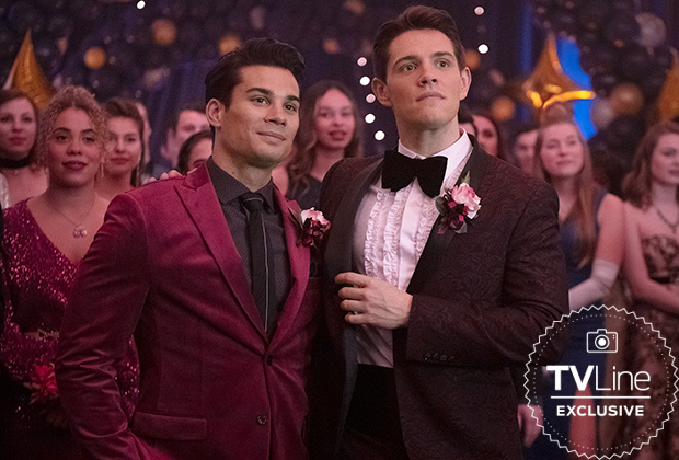 Riverdale Prom Season 5 Premiere Kevin Fangs