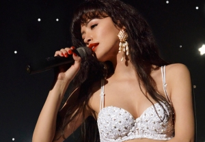 Selena The SEries Netflix Quintanilla Drama TV Series