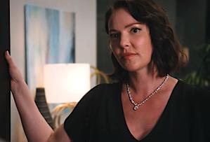 Firefly Lane Recap Season 1 Episode 1 Netflix premiere