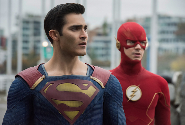 "Supergirl -- ""Crisis on Infinite Earths: Part One"" -- Image Number: SPG509c_0168r.jpg -- Pictured (L-R): Tyler Hoechlin as Clark Kent/Superman and Grant Gustin as The Flash -- Photo: Dean Buscher/The CW -- © 2019 The CW Network, LLC. All Rights Reserved."