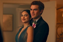 Riverdale Premiere Recap: A Prom Bombshell -- Plus, KJ Apa on Archie's Future With Veronica (and Betty)
