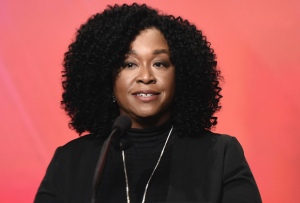 Shonda Rhimes: Being the Only Straight EP Singled Out by GLAAD 'Is Not OK,' Points to Diversity Problem