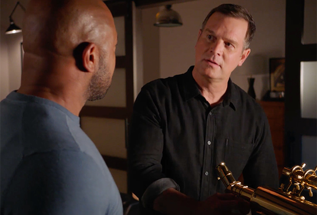 9-1-1 Sneak Peek: Bobby and Michael Make a Disturbing Discovery