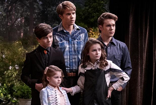 Country Comfort Netflix Premiere Date: Katharine McPhee, Eddie Cibrian |  TVLine