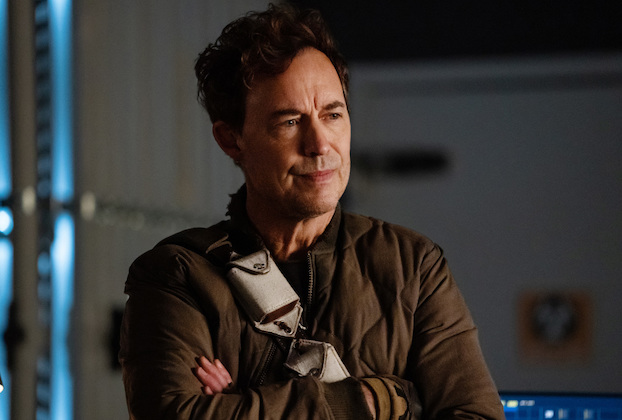 "The Flash -- ""All's Wells That Ends Wells"" -- Image Number: FLA701a_0338r.jpg -- Pictured: Tom Cavanagh as Nash Wells -- Photo: Katie Yu/The CW -- © 2021 The CW Network, LLC. All rights reserved"