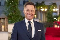 Bachelor's Chris Harrison Apologizes for 'Perpetuating Racism' in Interview About Contestant's Past Photos
