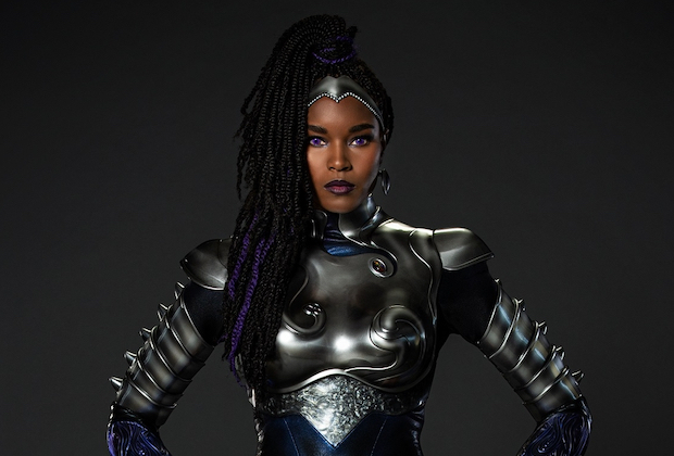 Titans First Look: Blackfire Suits Up!