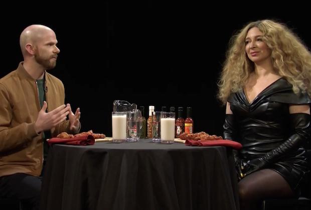 SNL Video: Maya Rudolph's Beyoncé Can't Handle Her Hot Wings — Watch